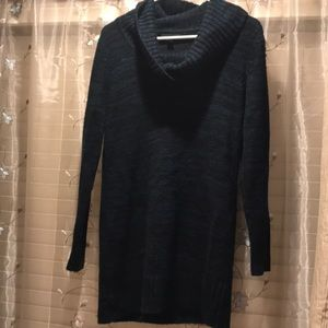 Long sleeved pullover cowl neck
